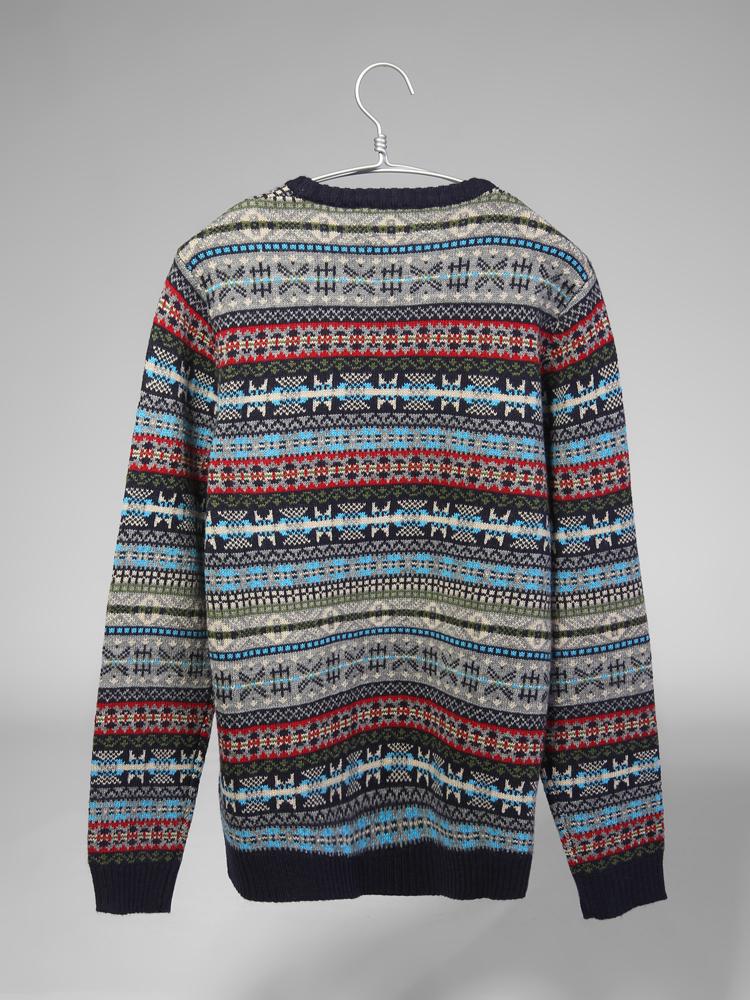 民族风花纹毛衣