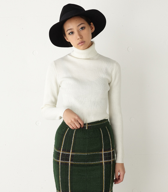 moussy 女款春秋冬高领修身针织套头毛衣白色